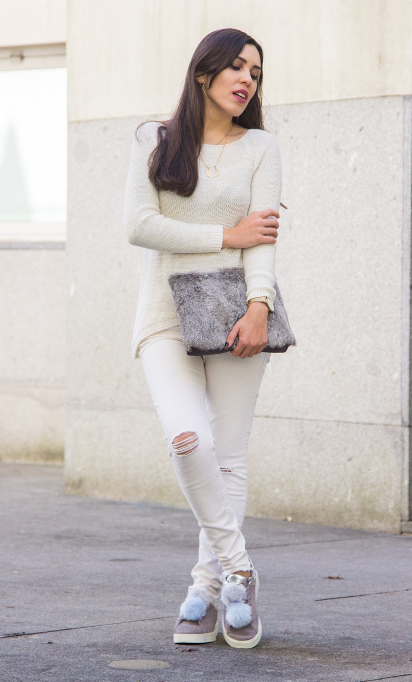 Le Fashionaire Winter is coming white ripped jeans mango white knit sweater namib lefties necklace pompom pale blue grey snieakers zara leather fur clutch sfera gold hm earrings 9294 EN 805x1333