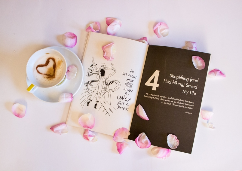 Le Fashionaire 3 lessons ive learned from Girl Boss blogger catarine martins fashion inspiration girl boss book sophia amoruso pink coffee cup lovers rose petals pink 180 EN 805x569