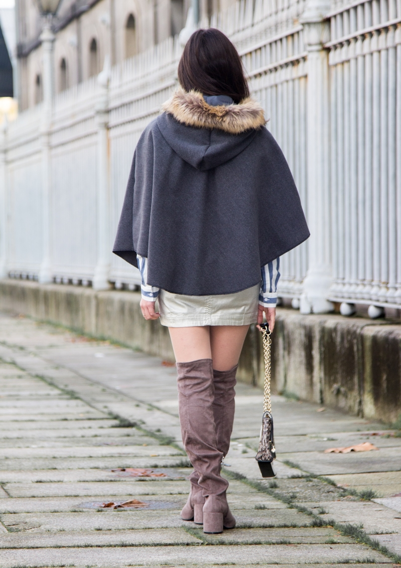 Le Fashionaire Move forward blogger catarine martins fashion inspiration over knee grey leather bershka boots silver stradivarius skirt grey brown pompom wool cape 0319 EN 805x1138