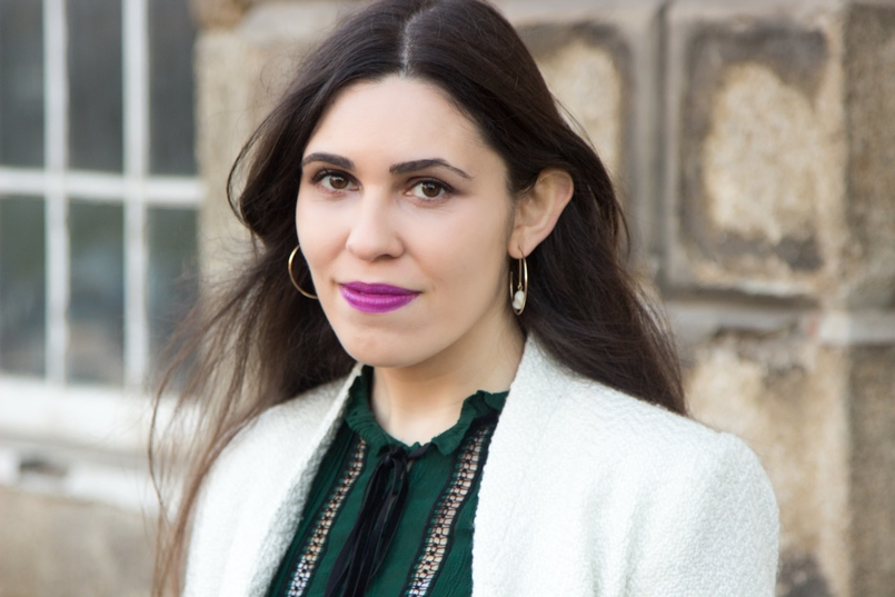 Le Fashionaire Carpe Diem blogueira catarine martins moda inspiracao camisa verde escuro zara sobretudo branco mango 2428 PT 805x537
