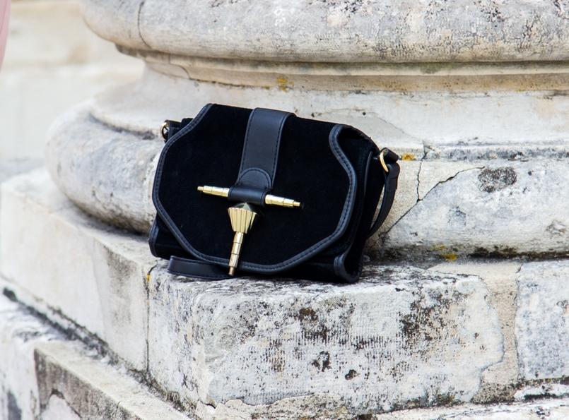 Le Fashionaire O que vestir nos jantares de natal? blogueira catarine martins moda inspiracao mala preta camurca dourada zara 0635 PT 805x595