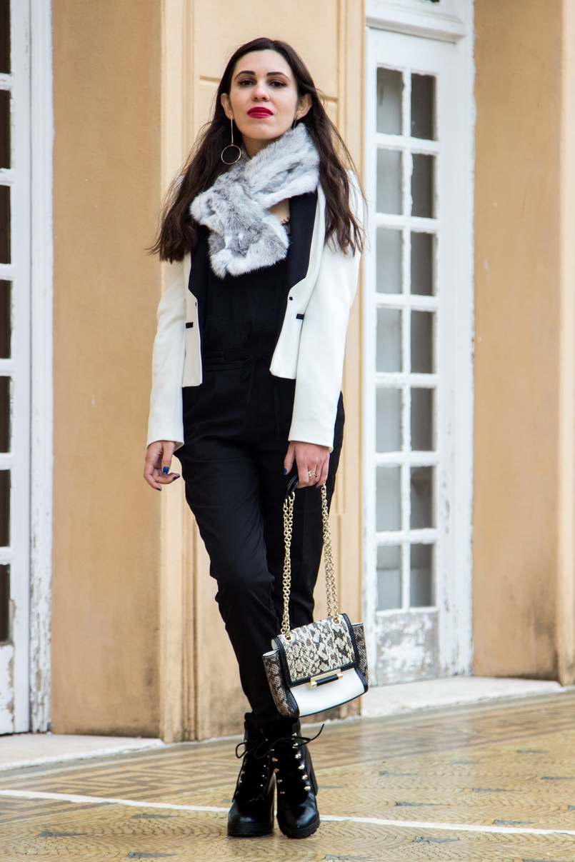 Le Fashionaire Uma questão de sorte casaco branco preto pormenor botao zara botas pretas militares stradivarius clutch diane von furstenberg preto branco cobra 9856 PT 805x1207