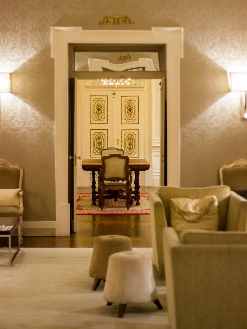 Le Fashionaire Palácio da Lousã Boutique Hotel interior decoration living room lousa palace boutique hotel 1398 EN 805x1072