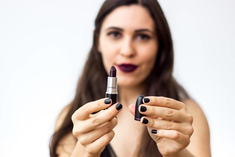 Le Fashionaire 7 lipsticks for Fall mac dark purple instigator body oysho lace black fall 9204 EN 805x537