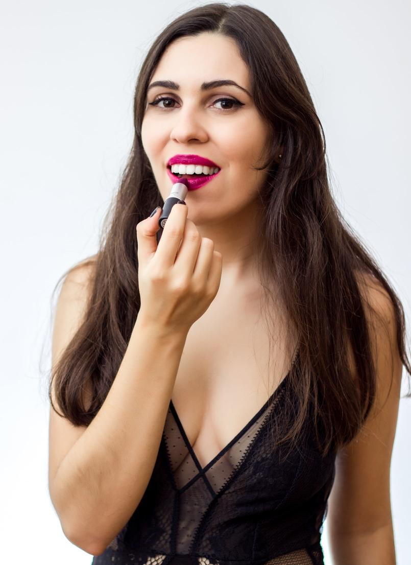 Le Fashionaire 7 lipsticks for Fall mac fast play amplified nude dark pink body oysho lace black fall 9164 EN 805x1106