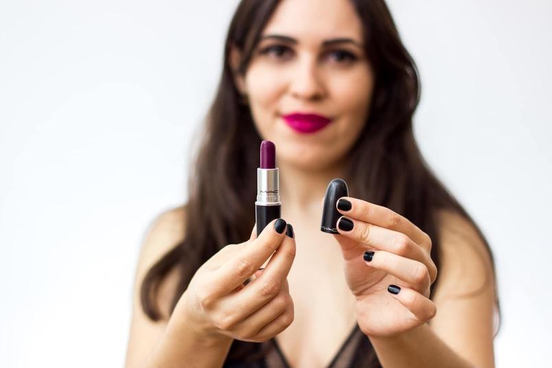 Le Fashionaire 7 lipsticks for Fall mac fast play amplified nude dark pink body oysho lace black fall 9166 EN 805x537