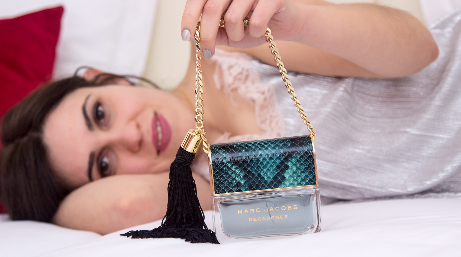 Le Fashionaire Decadence by Marc Jacobs night sleep silver pale pink lace women secret dress gold triangle necklace decadence perfume marc jacobs bag like snake print green 3156F EN