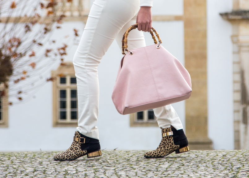 Le Fashionaire Living is not for the weak trousers white zara leopard leather gold plated asos ankle boots pale pink bamboo parfois bag 1129 EN 805x575