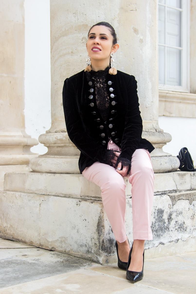Le Fashionaire What to wear on Christmas dinner? velvet silver buttons stradivarius blazer lace zara black bell sleeves blouse sporty chic paple pink zara trousers black high aldo heels 0668 EN 805x1208