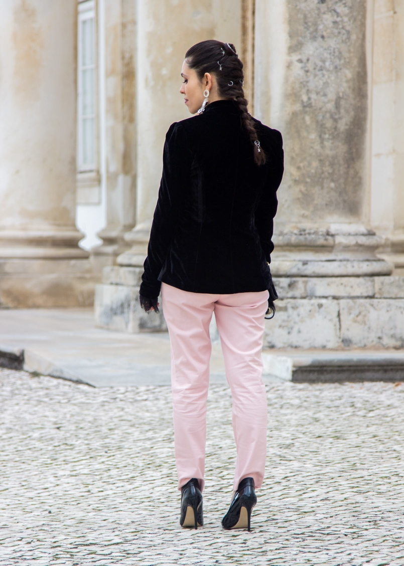 Le Fashionaire What to wear on Christmas dinner? velvet silver buttons stradivarius blazer sporty chic paple pink zara trousers black high aldo heels braided hair hairstyle 0615 EN 805x1129