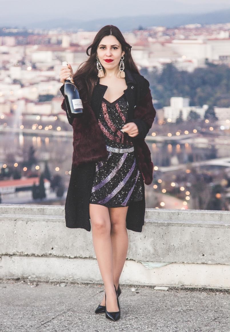 Le Fashionaire Adeus, 2016! vestido ano novo bershka lantejoulas roxo preto curto estola pelo coelho vor vinho bordeaux sfera garrafa champagne moet chandon 3404 PT 805x1160