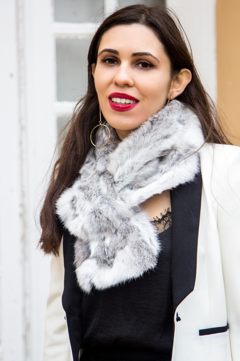 Le Fashionaire Whats luck got to do with it? white black zara blazer rabbit fur white grey stole lace black stradivarius top gold long hoop hm earrings 9838 EN 805x1208