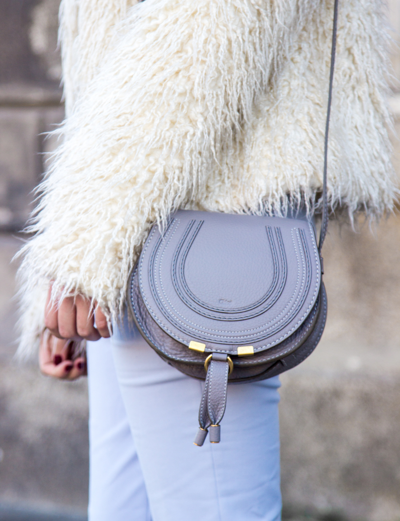 Le Fashionaire Why women have to support other women baby blue zara trousers white zara faux fur coat chloe mini marcie gray leather bag 3833 EN 805x1049
