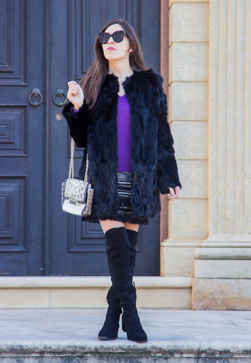Le Fashionaire Winter essential: the fur coat black over knee stradivarius boots fur black sfera coat celine black sunglasses white black snake print diane von furstenberg bag 3109 EN 805x1163