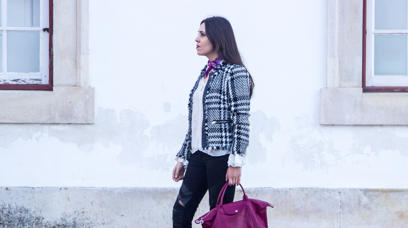 Le Fashionaire Silver Lining black white tweed mango jacket white bell sleeve ruffle zara shirt black ripped sfera jeans pliage cuir purple leather longchamp 2928F EN 805x450