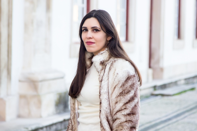 Le Fashionaire What we can learn from Meryl Streeps speech blogger catarine martins fashion inspiration faux fur white brown bomber white cotton sweater 3034 EN 805x537