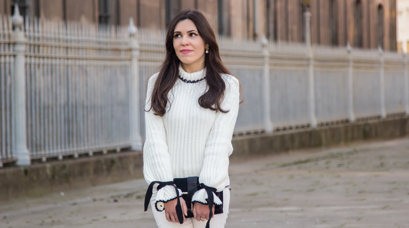 Le Fashionaire Dont forget to love yourself! blogger catarine martins white black wool bell bow sleeve shein knit sweater white zara trousers black gold zara clutch 3506F EN 805x450