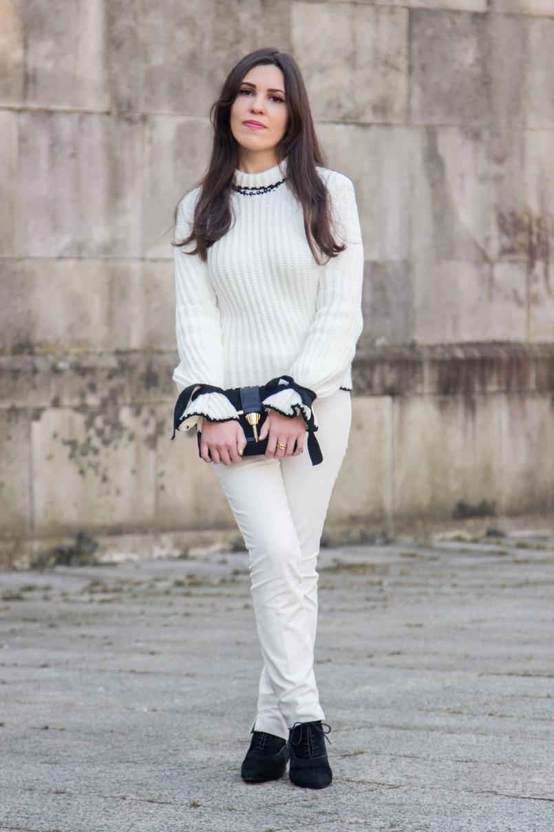 Le Fashionaire Amor Próprio blogueira catarine martins camisola preto branco la mangas balao laco shein calcas brancas corte reto zara botins pele pelo bicudos zara saldos 3465 PT 805x1208