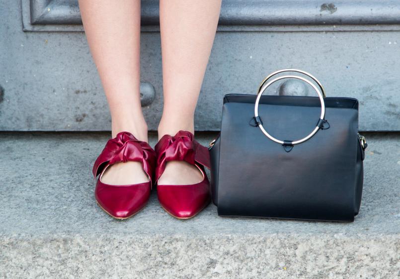 Le Fashionaire Porto, aos folhos blogueira catarine martins moda inspiracao sapatos vermelhos pele laco zara mala preta argola dourada zara 4433 PT 805x561