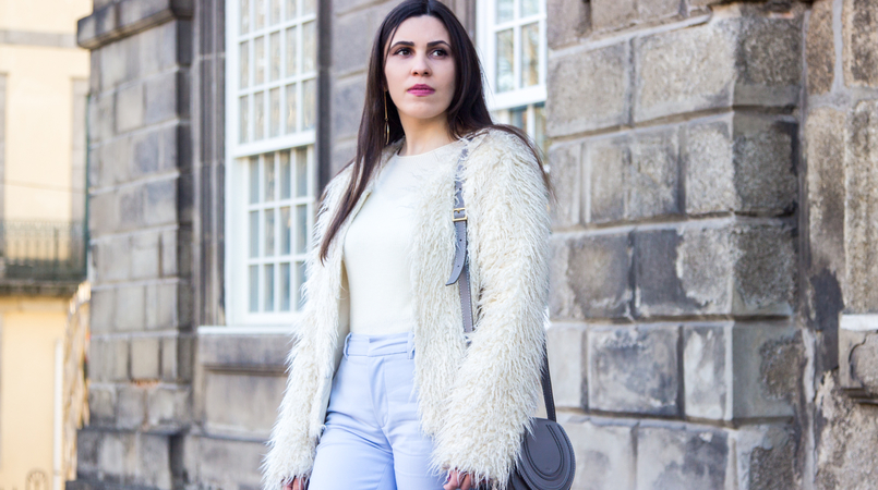 Le Fashionaire Why women have to support other women fashion inspiration baby blue zara trousers white cashmere mango sweater white zara faux fur coat chloe mini marcie gray leather bag 3838F EN 805x450