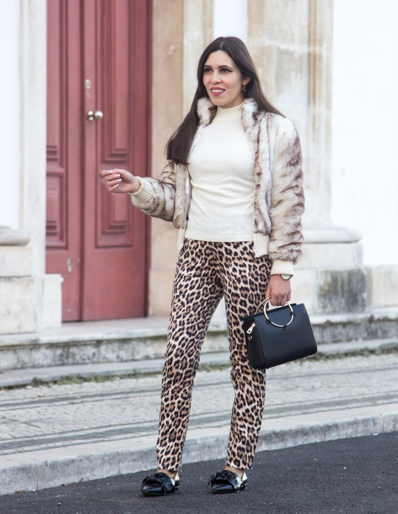 Le Fashionaire What we can learn from Meryl Streeps speech leopard black brown zara trousers white cotton sweater black gold hoop zara bag bow pointy black zara shoes 3029 EN 805x1040