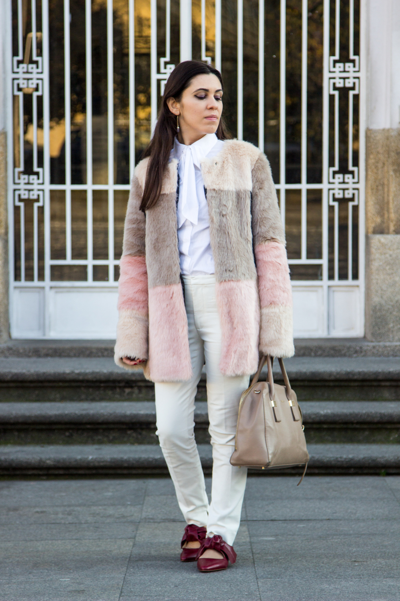 Le Fashionaire Does the friendship end? pale pink nude blush asos faux fur coat white shirt victorian bow globe nude furla twiggy bag white zara trousers pointy red leather bow zara flats 4693 EN 805x1208