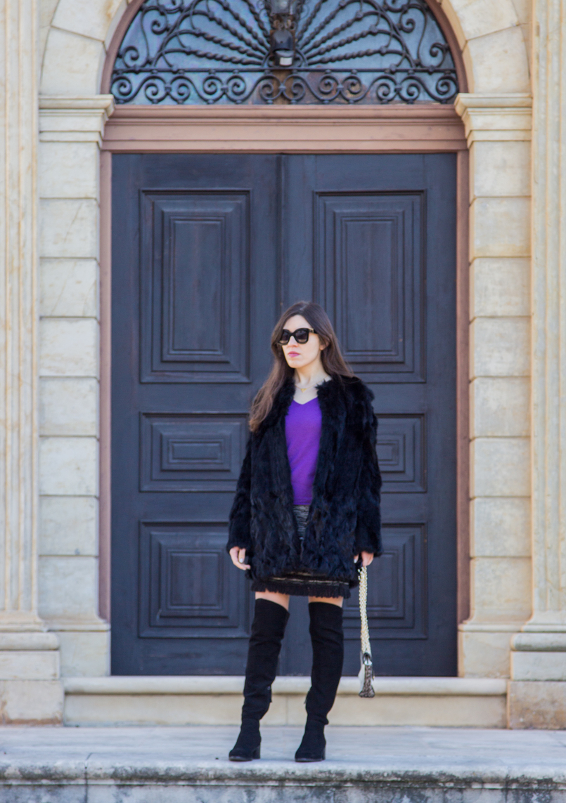 Le Fashionaire Winter essential: the fur coat purple cashmere massimo dutti sweater black over knee stradivarius boots fur black sfera coat celine black sunglasses 3074 EN 805x1143