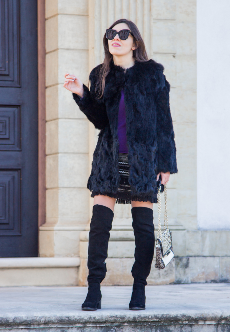Le Fashionaire Winter essential: the fur coat tweed black white fringes skirt black over knee stradivarius boots fur black sfera coat celine black sunglasses 3113 EN 805x1162