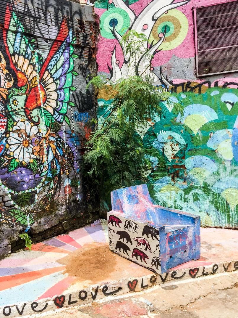 Le Fashionaire 5 must visit places in Sao Paulo beco batman color graffiti arty street sao paulo city 8590 EN 805x1074