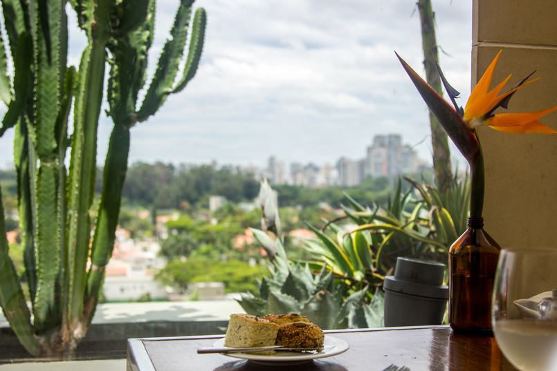 Le Fashionaire Unique Hotel bread meal skye restaurant window landscape cactus hotel unique sao paulo 5809 EN 805x537