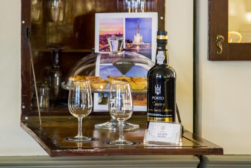 Le Fashionaire Porto A.S. 1829 Hotel copos vinho porto pasteis nata hotel as 1829 porto 5311 PT 805x537