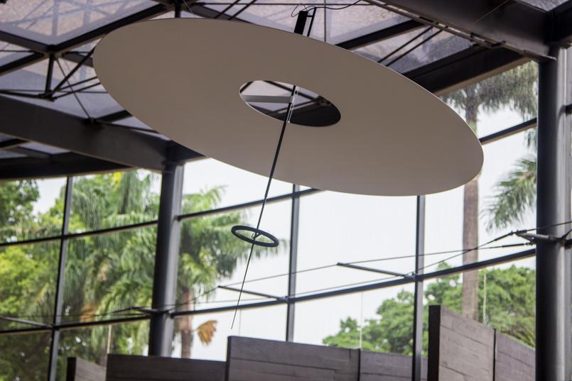 Le Fashionaire Hotel Unique decoracao candeeiro refletor luz lobby hotel unique sao paulo 5936 PT 805x537
