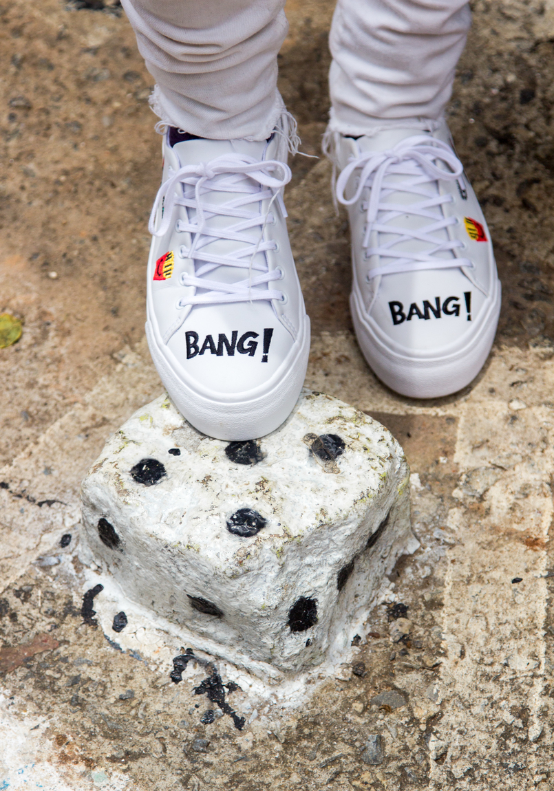 Le Fashionaire Street Art at Beco do Batman emoji bang bang white pull bear sneakers graffiti beco batman sao paulo 5454 EN 805x1150