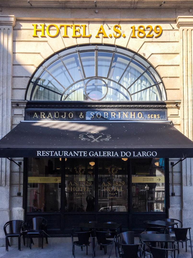 Le Fashionaire Porto A.S. 1829 Hotel fachada rua flores hotel as 1829 porto 8540 PT 805x1074