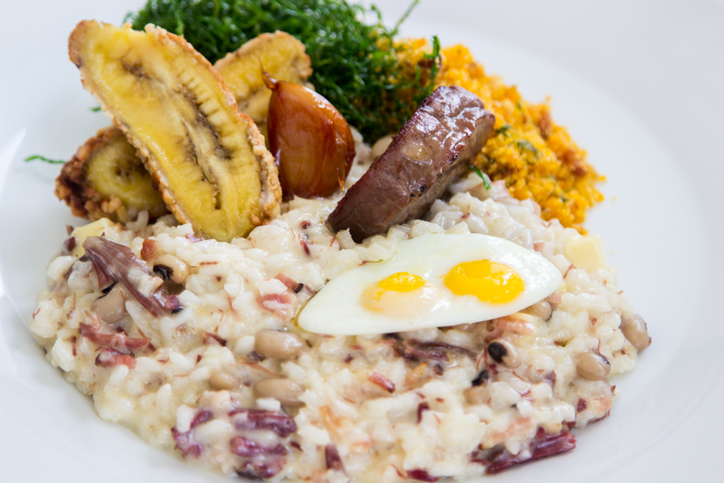 Le Fashionaire Unique Hotel meal skye restaurant risoto pf red beans sundried meat clotted cheese kale banana cashew nuts fried quail egg hotel unique sao paulo 5828 EN 805x537