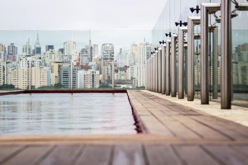 Le Fashionaire Hotel Unique piscina vermelha vista topo hotel unique sao paulo 6035 PT 805x537