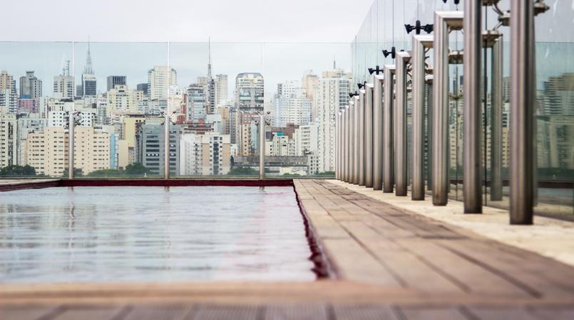 Le Fashionaire Hotel Unique piscina vermelha vista topo hotel unique sao paulo 6035F PT 805x450