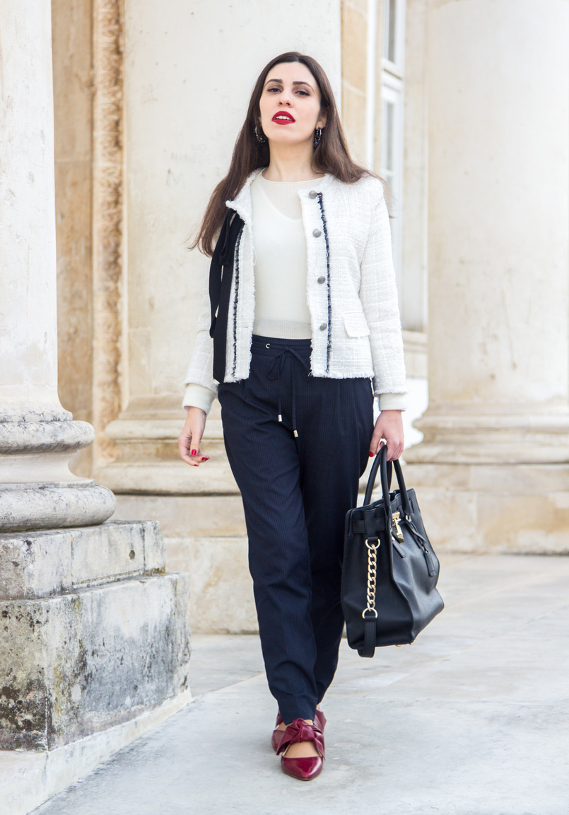 Le Fashionaire 3 reasons to wear red lipstick on Valentines red lipstick white cashmere mango knit sweater pinstripes sporty chic zara trousers pointy red leather bow zara flats shoes 4488 EN 805x1152