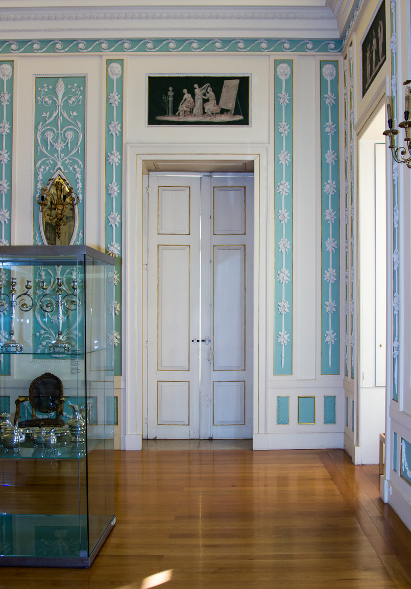 Le Fashionaire Soares dos Reis Museum white door soares reis museum mint beautiful room 8897 EN 805x1151