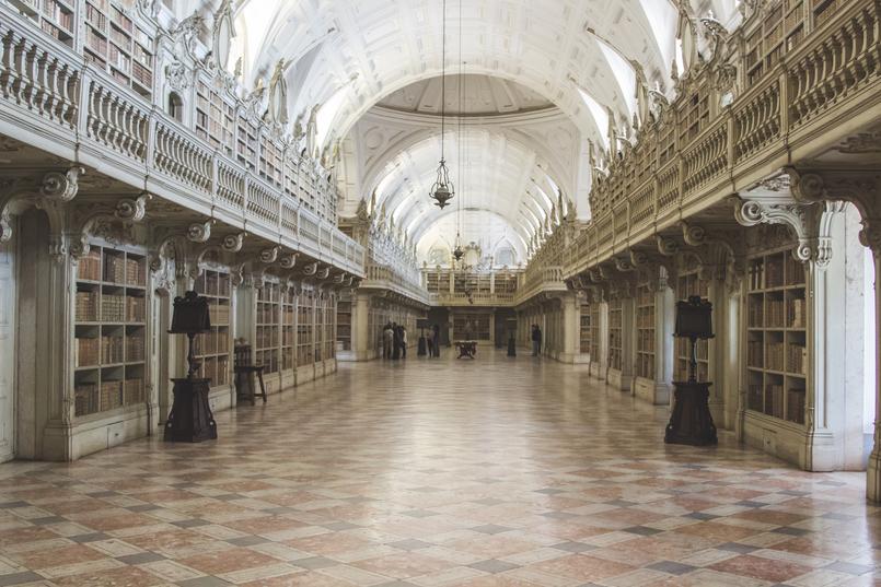 Le Fashionaire Palácio Nacional de Mafra biblioteca salas repletas opulencia palacio nacional mafra 5537 PT 805x537