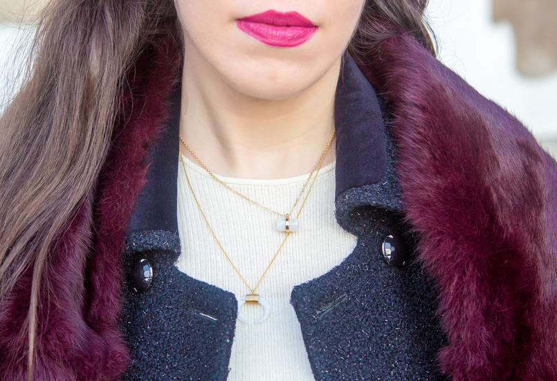 Le Fashionaire Don't get envy, get proactive! blogger catarine martins burgundy fur sfera stole half moon white gold silver cinco necklace precious white stone quartz hm necklace 4873 EN 805x551