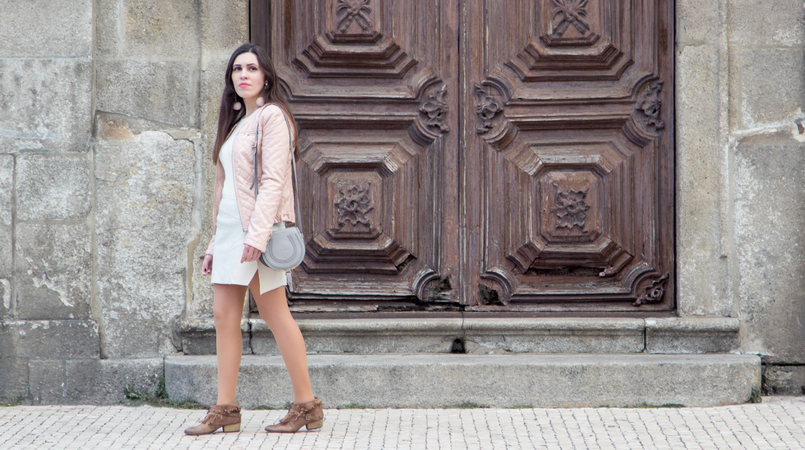Le Fashionaire Spring Touch blogger catarine martins fake leather pale pink zara jacket ankle camel boots fringes bershka chloe mini marcie gray leather bag 7335F EN 805x450