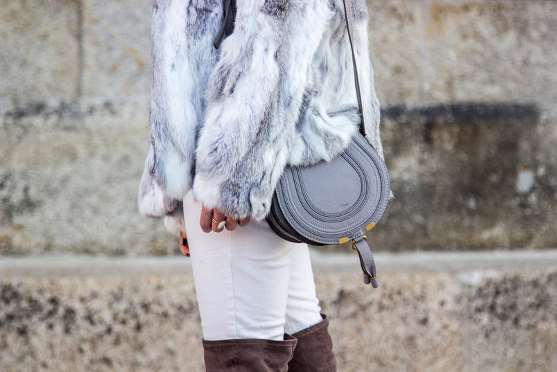 Le Fashionaire Hope blogger catarine martins fashion inspiration fur gray white sfera beautiful coat mini marcie chloe gray bag white mango skinny jeans 4207 EN 805x537