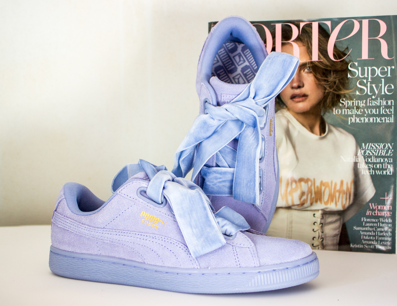 Le Fashionaire New In: Puma Suede Heart blogger catarine martins fashion inspiration puma suede heart lavender velvet sneakers blue porter magazine spring 5132 EN 805x621