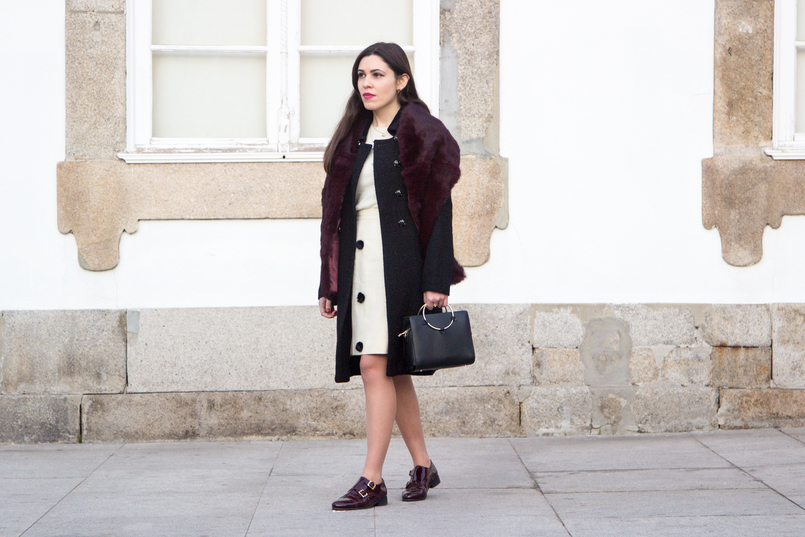 Le Fashionaire Don't get envy, get proactive! blogger catarine martins fashion inspiration white nude black pompons old skirt burgundy fur sfera stole black bag gold hoop zara 4858 EN 805x537
