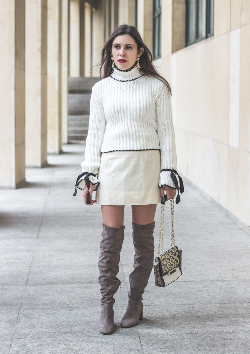 Le Fashionaire Dont be like the rest of them blogger catarine martins white nude old skirt white black leather snake print diane von furstenberg clutch over knee suede gray bershka boots 1035 EN 805x1138