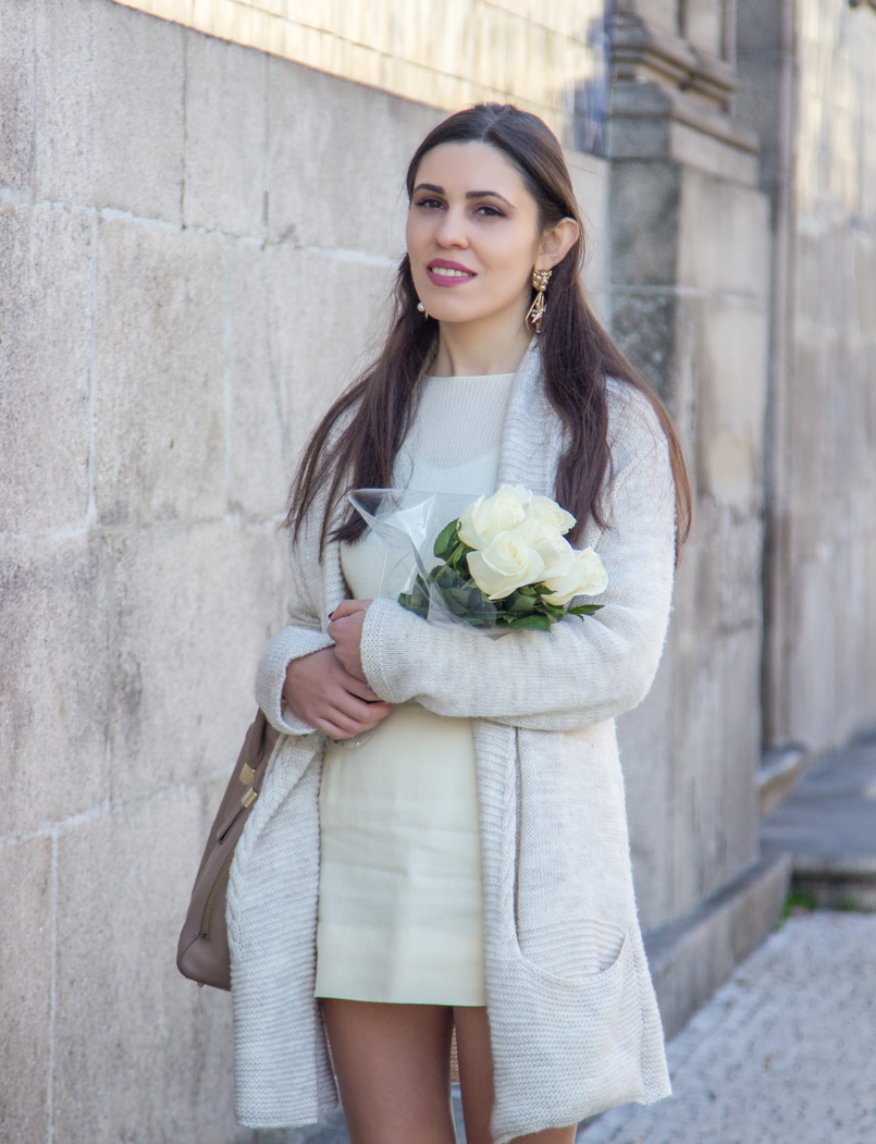 Le Fashionaire March is for fresh flowers blogger catarine martins white nude wool maxi cardigan nude mini skirt vintage white cashmere sweater mango ribbed nude 3762 EN 805x1051