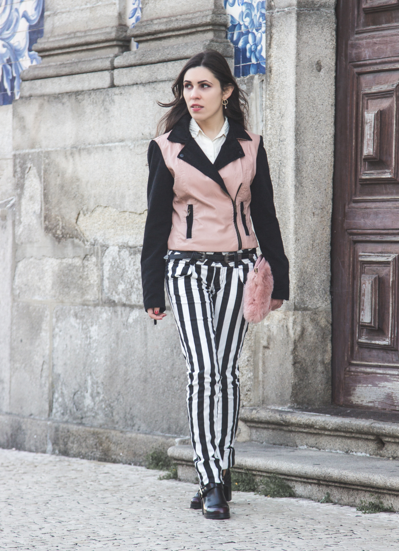 Le Fashionaire Equilíbrio calcas riscas verticais preto branco bershka blusao tipo pele rosa mangas pretas bershka botas pretas altas pull bear fivelas camisa branca seda zara 8561 PT 805x1111