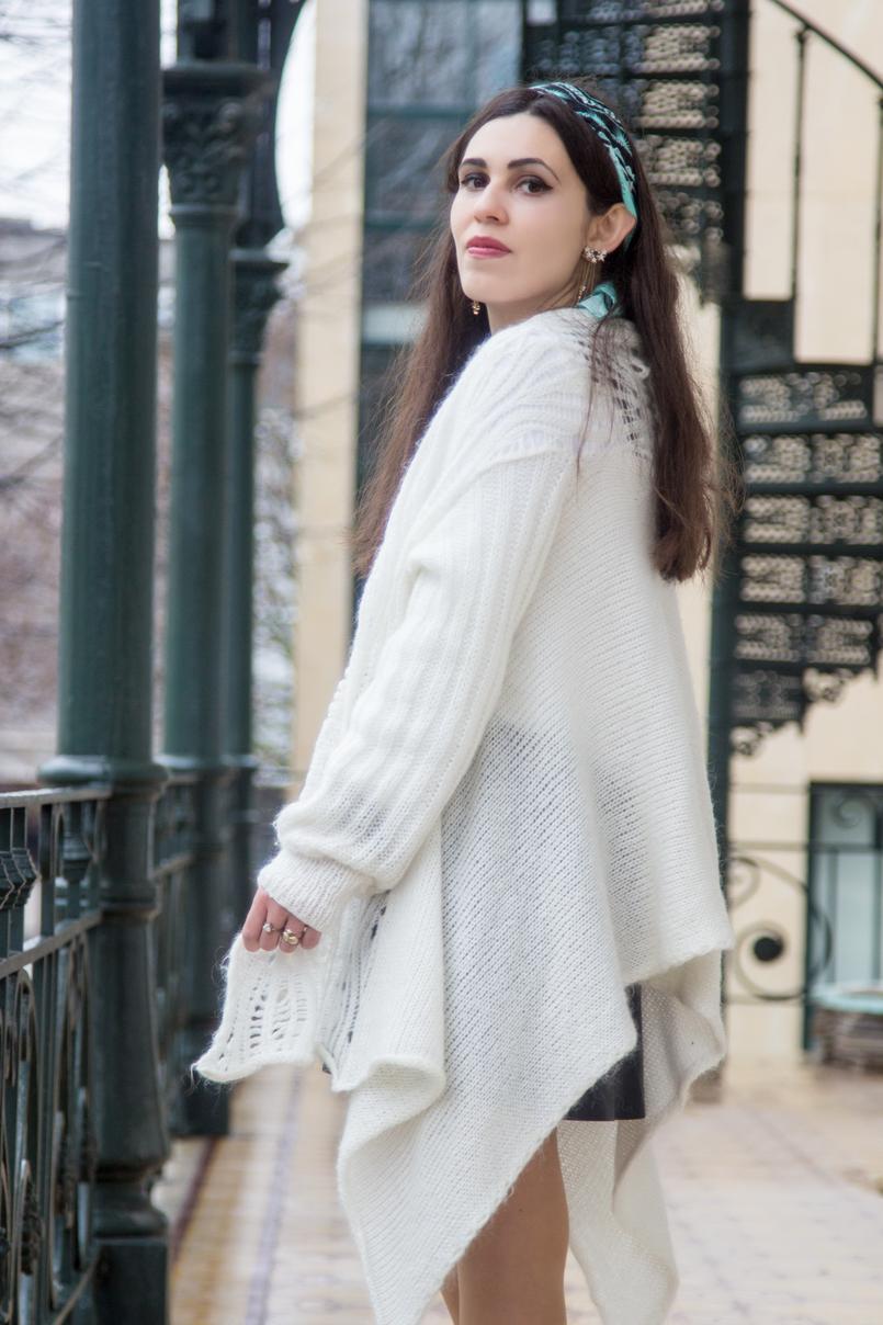 Le Fashionaire É preciso deixar ir casaco branco assimetrico la antigo lenco azul padroes just cavalli brincos azuis dourado estrela compridos zara 7810 PT 805x1208