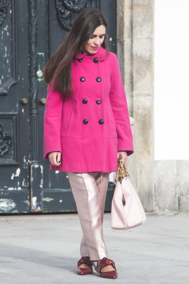Le Fashionaire 50 tons de rosa casaco la zara rosa choque botoes pretos calcas rosa bebe brilhantes zara sapatos pele pontiagudos vermelhos zara mala parfois rosa bebe pega bamboo 7280 PT 805x1208